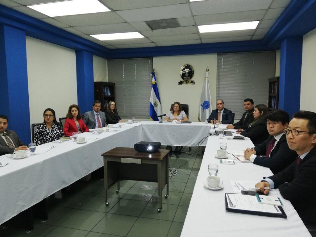 Procuradora Caballero de Guevara se reúne con Mesa Diplomática de DDHH