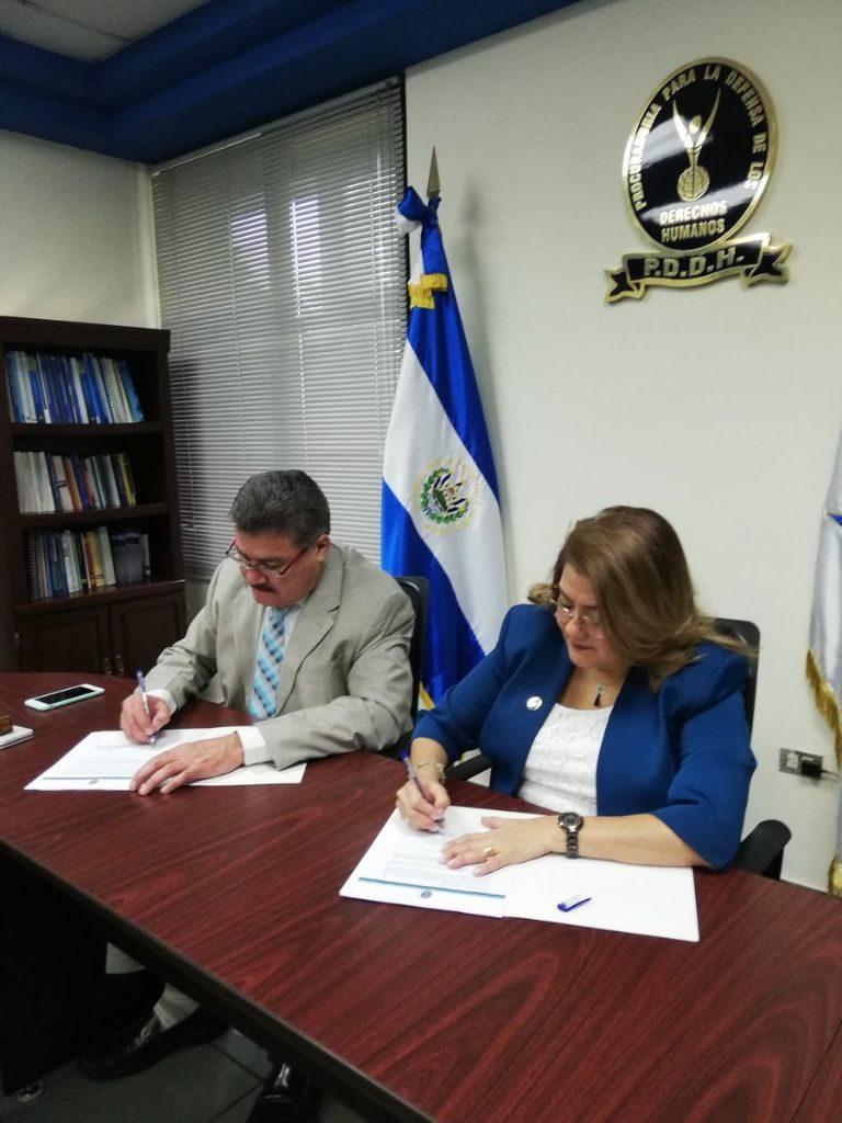 Procuradora firma Carta de Entendimiento con FUNDE