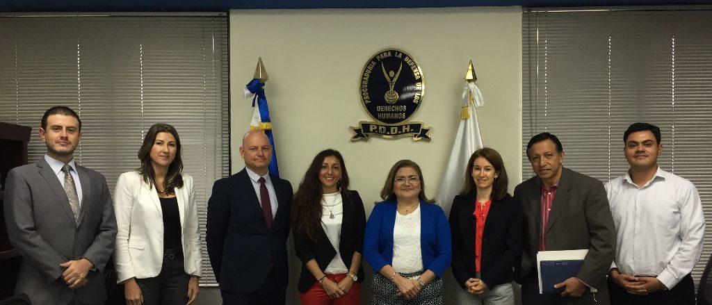 Procuradora sostiene reunión de trabajo con la Mesa Diplomática